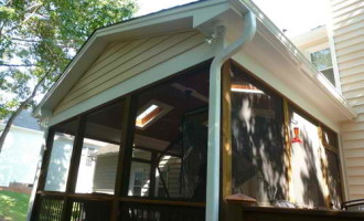 Vinyl gutters traditional-exterior